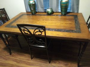 Dining room table for Sale in Alexandria, LA