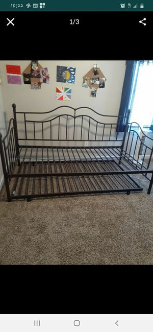 Twin day bed with twin trundle $150 for Sale in La Vergne, TN