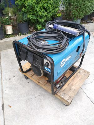 MILLER WELDER GENERATOR GASOLINE, BLUE STAR 185 KOHLER 12.75 6OOO WATT INCLUDING LEADS 35FT LONGER KEY START WORKS GREAT READY TO WORK for Sale in Los Angeles, CA