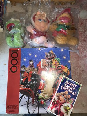 Muppets Christmas Bundle! Puzzle, Stuffed Muppets and movie! for Sale in Citrus Heights, CA