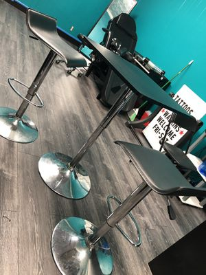 2 Silver bar stools and table set for Sale in Essex, MD