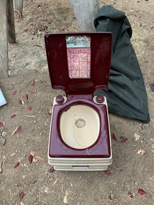 Portable toilet camping toilet for Sale in Dublin, CA