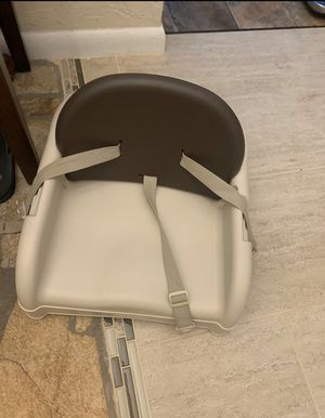 Toddler booster seat for dining room for Sale in Ormond Beach, FL