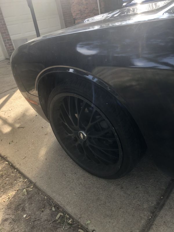 Black 22' rims for challenger charger or Camaro