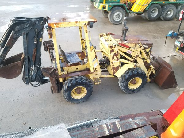 4x4 FORD NEW HOLLAND