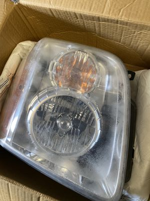 07-13 GMC Yukon Denali headlights $40 for Sale in San Jose, CA