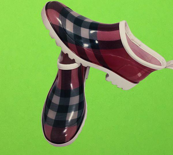 Burberry low cut ankle plaid rain boots shoes