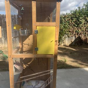Tall Bird Cage On Wheels for Sale in Rowland Heights, CA