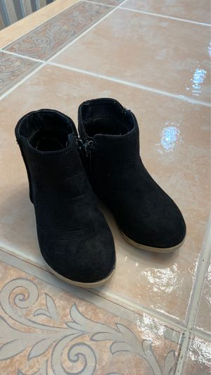 Cat and jack toddler girl boots size 5 for Sale in Battle Ground, WA