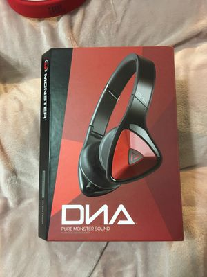 DNA monster headphones (leaving jersey soon . Need to go) for Sale in Blackwood, NJ