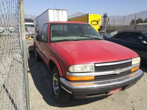 1998 chevy S-10 for Sale in Highland, CA