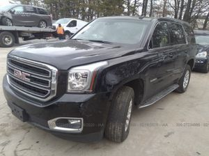 Parting out yukon for parts has collision damage 15 thru 20 OEM gmc parts fits Tahoe and Yukon denali for Sale in Fort Lauderdale, FL