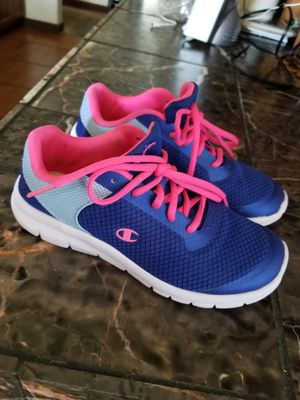 *****GIRL'S CHAMPION SHOES SIZE 3.5***** for Sale in Fresno, CA