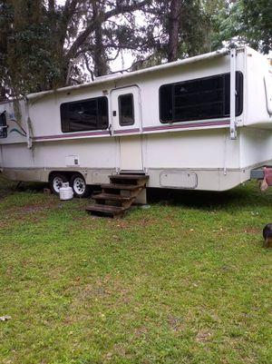 Camper 31ft for Sale in Ocklawaha, FL