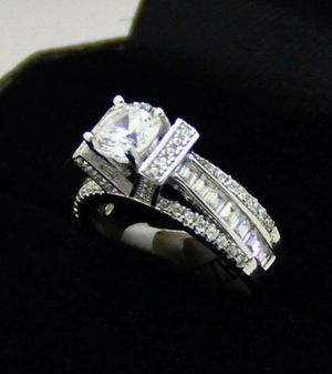 Stunning Tower Style White Wedding Ring for Sale in Victorville, CA
