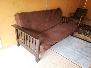 Futon with Mattress excellent condition for Sale in Lynnwood, WA