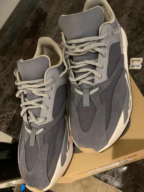 Yeezy boost 700 Magnet 700 Size 11
