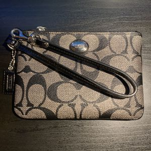 Coach wristlet for Sale in Queens, NY