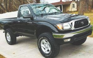 Luxury 4x4 Toyota TACOMA / 2001 Year for Sale in Buffalo, NY