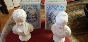 AVON COLLECTIBLE VINTAGE 18th Century Classic Figurine Young Boy and Girl Moonwind Cologne Vintage - 1974 for Sale in Farmville, VA