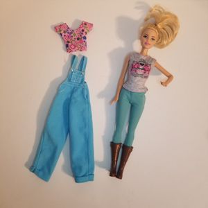 Barbie Farm Doctor dressed with extra outfit Mattel 2013 DHB71 for Sale in St. Petersburg, FL