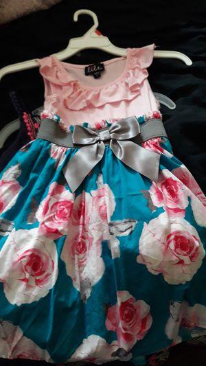 Girls Flower dress size 4 for Sale in Lawndale, CA