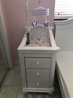 Changing table for Sale in Carol City, FL