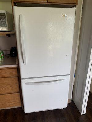 Haier Refrigerator (White) for Sale in Salt Lake City, UT