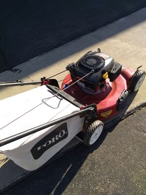 Toro 6.75 149cc automatic front-wheel drive still in great shape! Needs maintenance might need a spark plug or a fuel filter for Sale in Montclair, CA