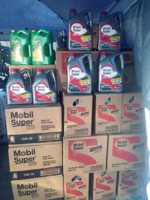 Aceite para motor for Sale in Montclair, CA