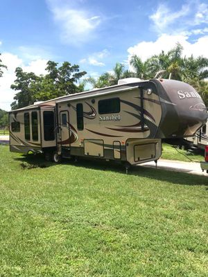 2014 Prime Time RV Sanibel 3551 TRAVEL TRAILER FIFTH WHEEL HUGE for Sale in Davie, FL