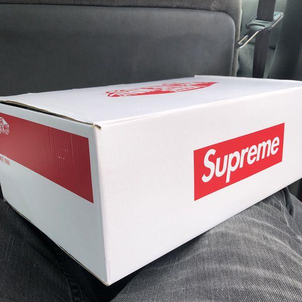 Supreme / Vans Sk8 Hi Pro 8.5 Red/Navy