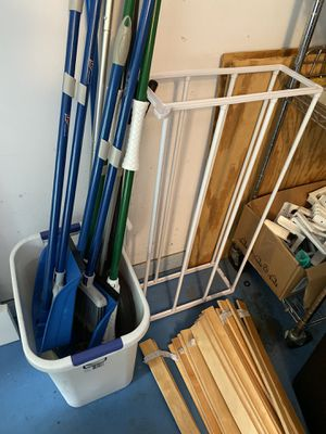 Shoes rack +trash can + Clean the tool for Sale in Fairfax, VA