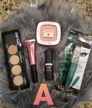 Make up bundles by L'Oreal for Sale in Hanford, CA