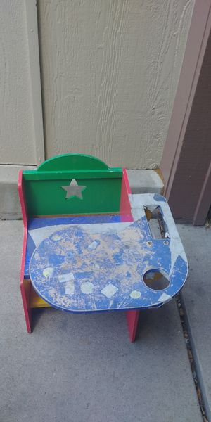 Cool kids desk for Sale in Aurora, CO