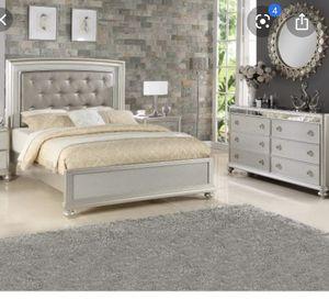 Bedroom set Queen size for Sale in Bethlehem, PA