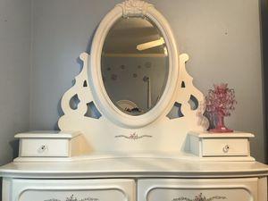 Girls white bedroom set for Sale in Nashville, TN