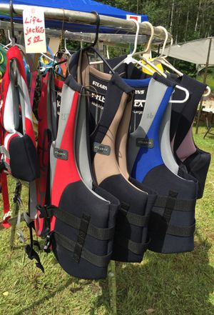 LIFE JACKETS for Sale in Spring Creek, PA