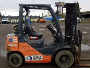 2013 Toyota 5,000 lb Warehouse Forklift for Sale in Eugene, OR