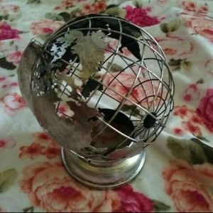 World globe accent shade for Sale in San Dimas, CA