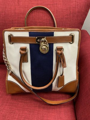 Large Michael Kors tote/READ DISCRIPTION for Sale in Trabuco Canyon, CA