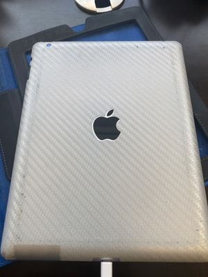 Apple ipad with Retina display 16gb for Sale in Clearwater, FL