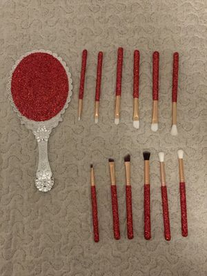 Makeup brushes and mirror bundle for Sale in Modesto, CA