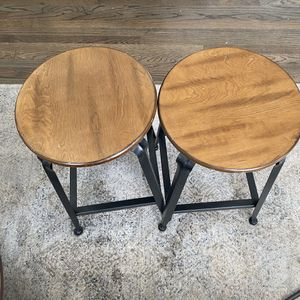 Brown 24 inch Counter Stools (set of 2) for Sale in Warren, MI