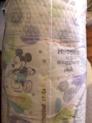 Huggies little snugglers size 2 for Sale in Fresno, CA