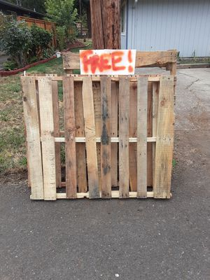 Free pallets for Sale in Kennewick, WA