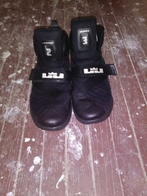 Nike Lebron Soldiers $20 for Sale in Clayton, MO