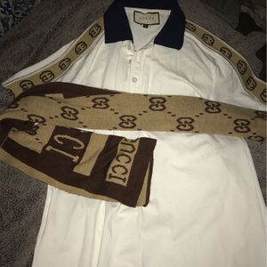Gucci Button Up W/scarf (medium ) for Sale in Washington, DC