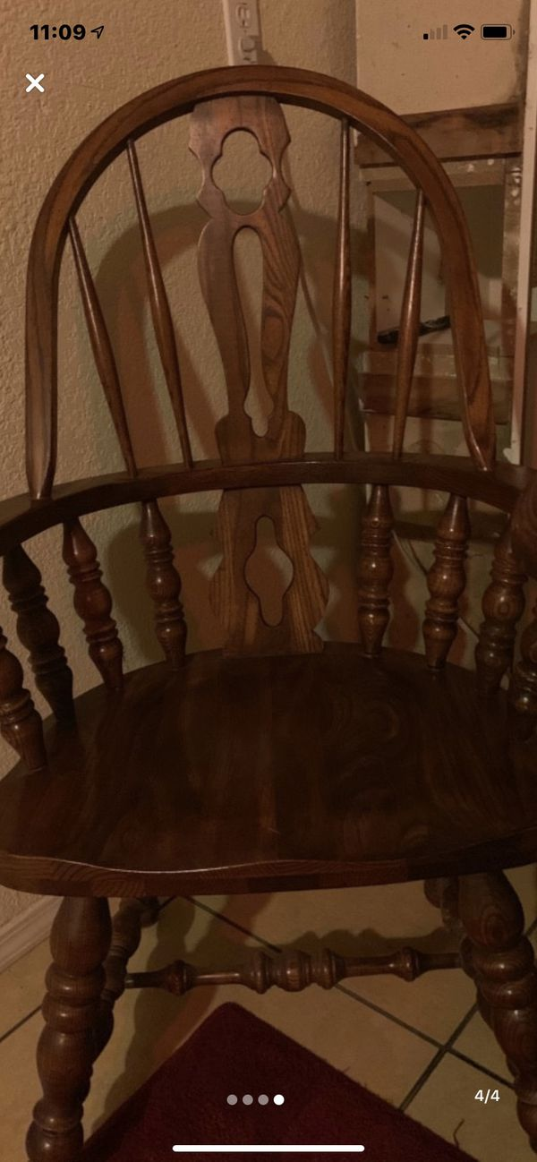Solid family tables w/6 matching chairs great cond pick up only