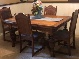 Large dining room table for Sale in Crystal Lake, IL